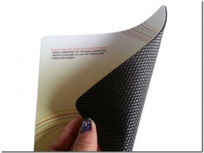 Mouse Pad Laminado com PVC e Base de Borracha Frisada